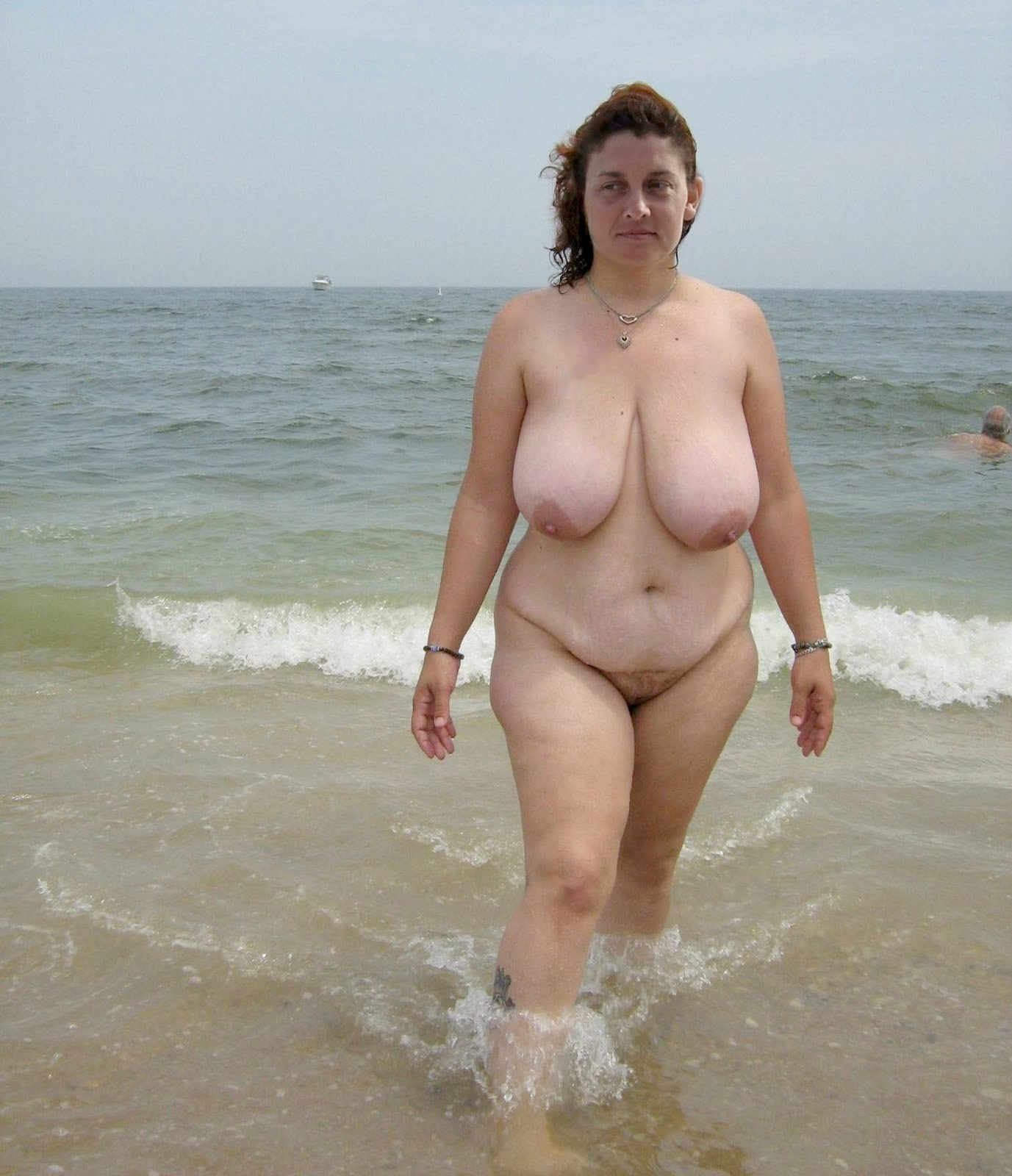 Your idea Busty hairy girl beach apologise
