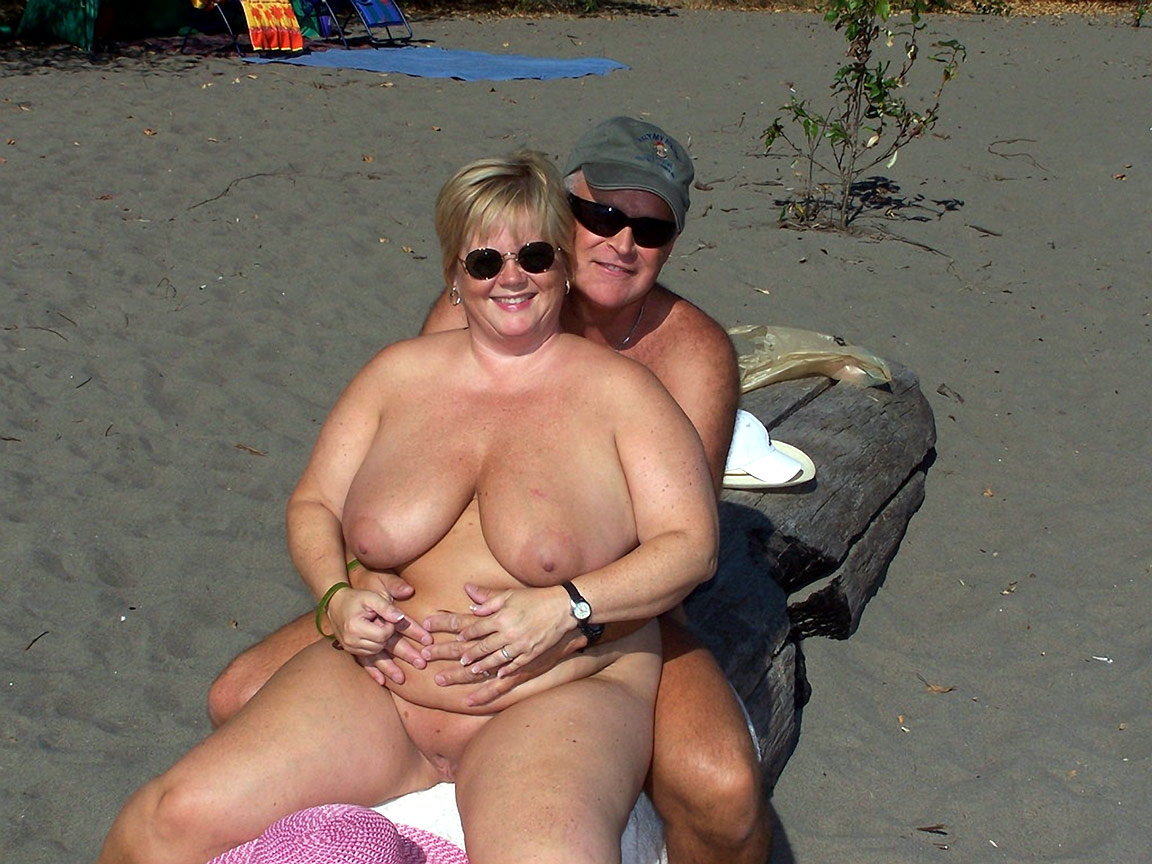 Mature chubby couple having sex