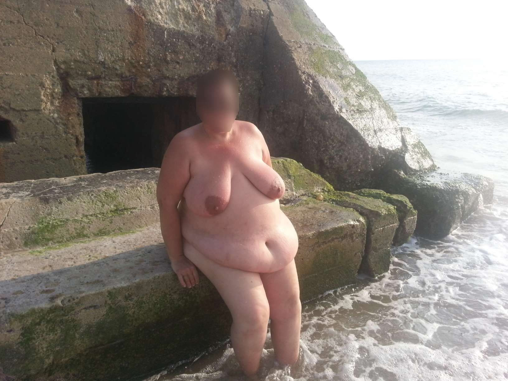 Beach parties for mature singles